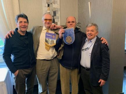 Notre Président, Bernard, lorsqu'il avait accueilli Paul André Trine du club de Bruxelles Bruocsella